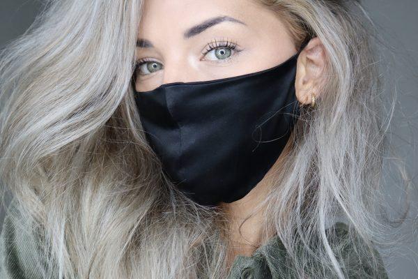 Huidvriendelijk Zijden mondkapje gezichtsmasker voorkomt maskne acne door mondkapje VIVE Huidtherapie huidvriendelijk mondmasker